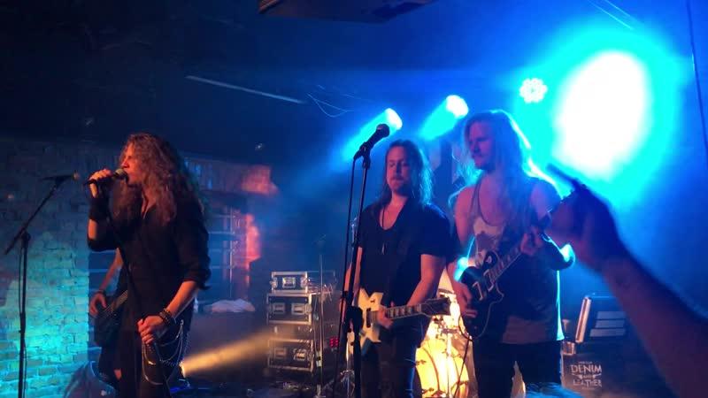 DYNAZTY - The Smoking Gun (live @ Denim and Leather Rock Club Jonkoping, December 14th, 2019)