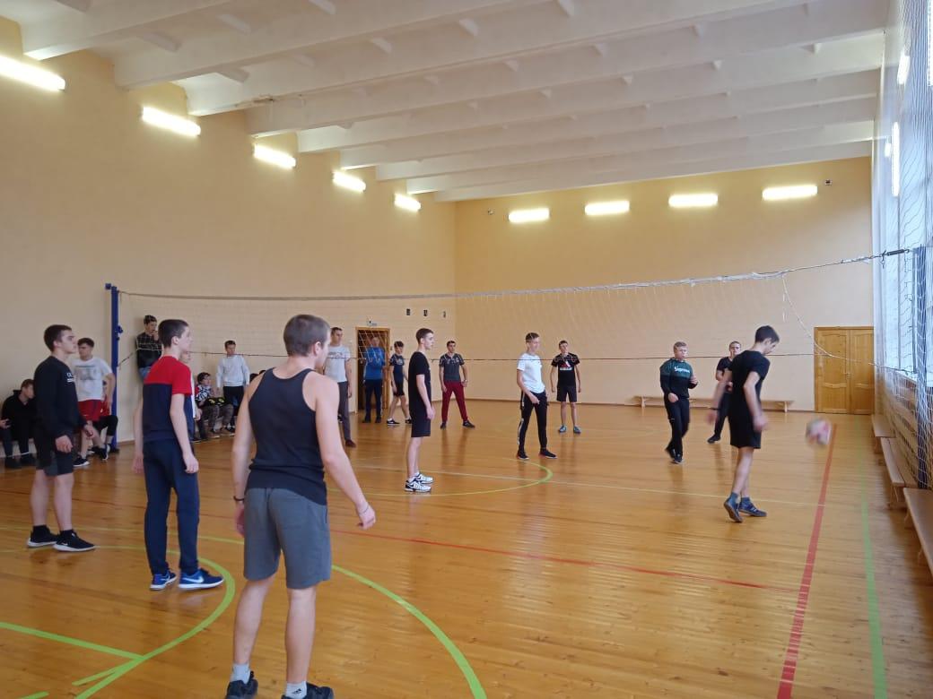 соревнования по волейболу среди групп 1 курса. 12.11.20