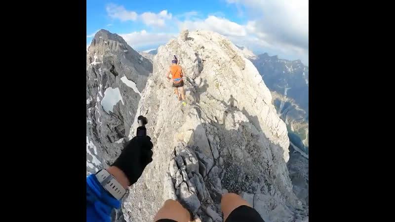Прогулка по Баварским Альпам на высоте 2 713 метров над землей на самом высоком пике горы Ватцманн