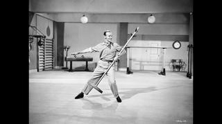 Танец с вешалкой   Королевская свадьба (1951)