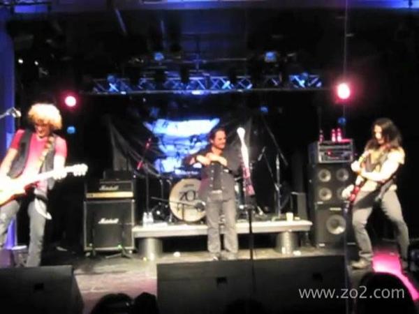 ZO2 Kip Winger play Led Zeppelin's Rock Roll mov