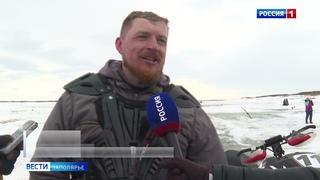 Высокие скорости, напряженная борьба, отказ техники. Юбилейные гонки на снегоходах в Каменке