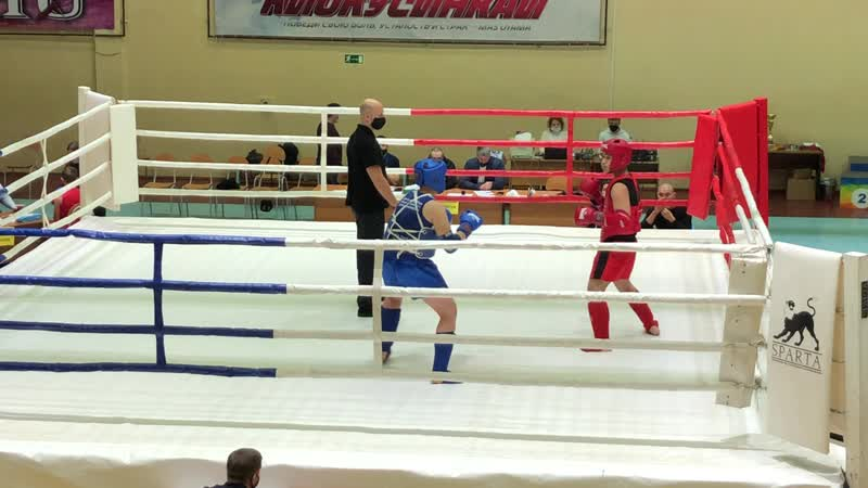 Мельников Арсений синий угол в финале 1 ый раунд