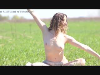 Sexy_naked_yoga_hot_yoga_lady_720p