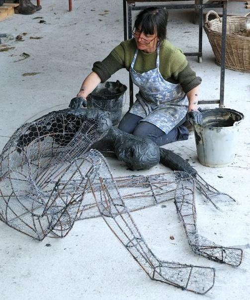 Жууутко необычные скульптуры из глины Софи Престиджакомо.