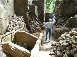 Неужели самые древние в мире находки в России никому не нужны?