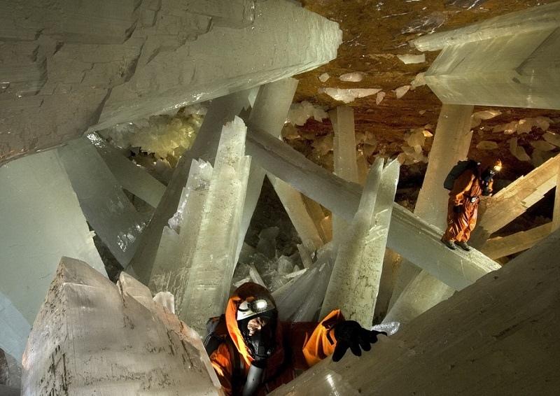 Пещера гигантских кристаллов в Мексике