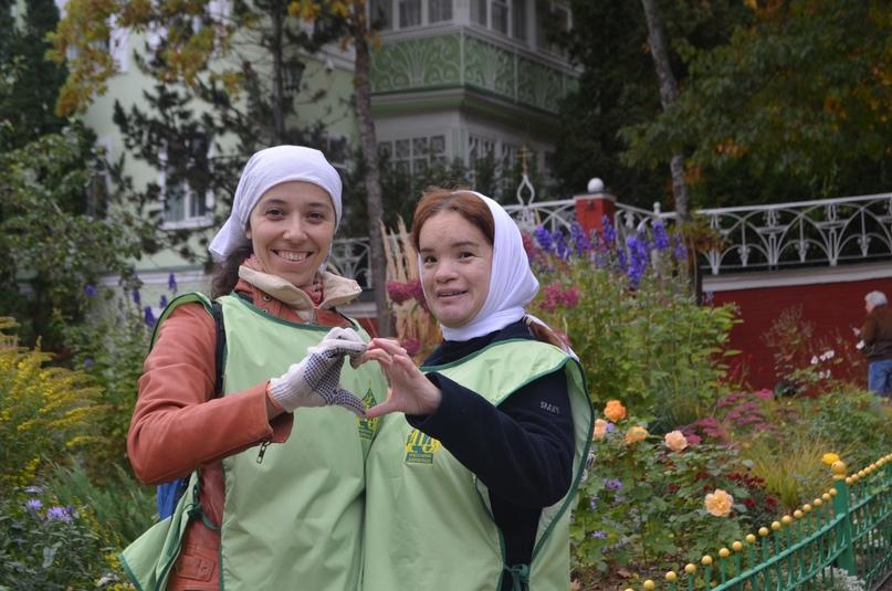 «Православные добровольцы» вместе с добровольцами кинокомпании «Союз Маринс Групп» совершили путешествие в исторические места Псковской области, изображение №10