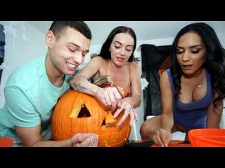 Tia Cyrus - Halloween Treat  [Latina, Blowjob, Cumshot, FullHD, 1080p] [MomIsHorny] Tia Cyrus - Swalloween Treat