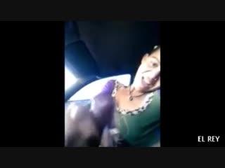 Подвез попутчицу, а там ему подрочила в машине #handjob #jerking #porno #порно #flasher car jerking public handjob