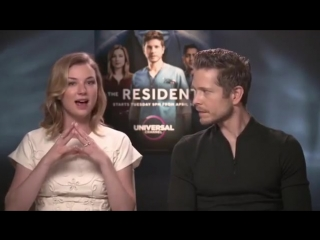 We had a chat with #emilyvancamp and matt czuchry