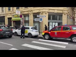 СМИ сообщают, что в ходе нападения на церковь в Ницце погибло трое