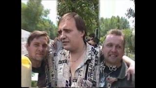 Фанаты на День памяти Юрия Хоя / Кладбище на Баках ()