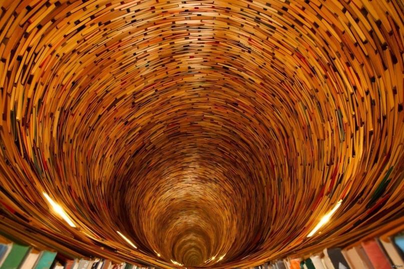 В туннель постепенно уходит воздух, и это пугает, ведь в нём запросто поместится вся атмосфера Земли
