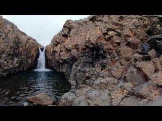 Небольшой, но очень уютный водопад с чашей и каньоном.