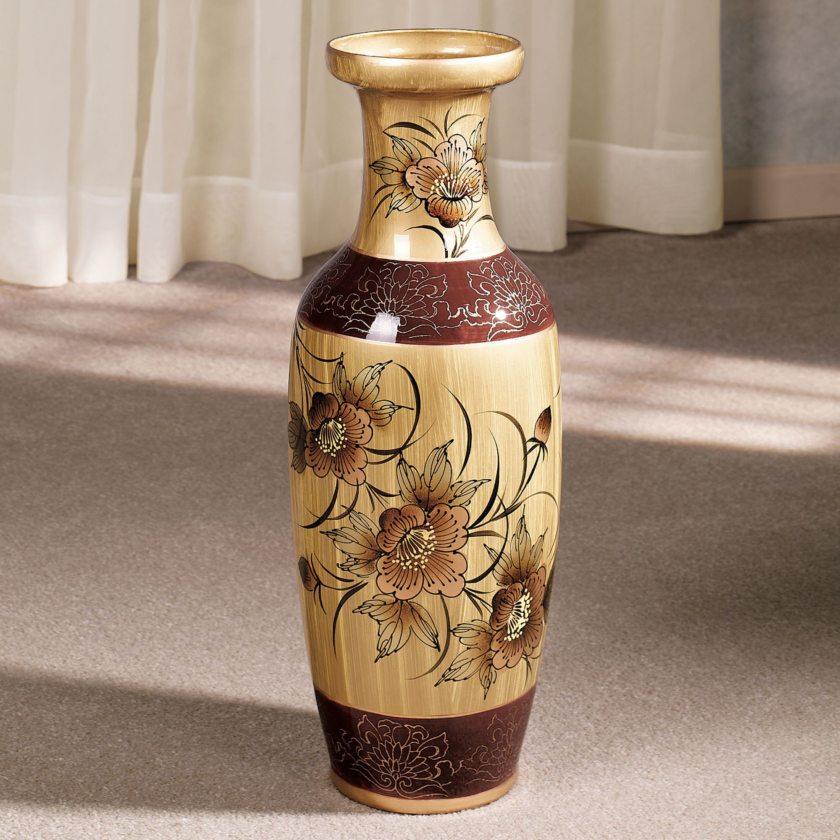 напольная ваза антикварная в интерьере