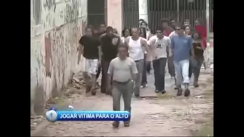 Jogar Vitima Para o Alto - Pegadinha Silvio Santos ( Prank Throwing people to the High ) (MosCatalogue.net).mp4