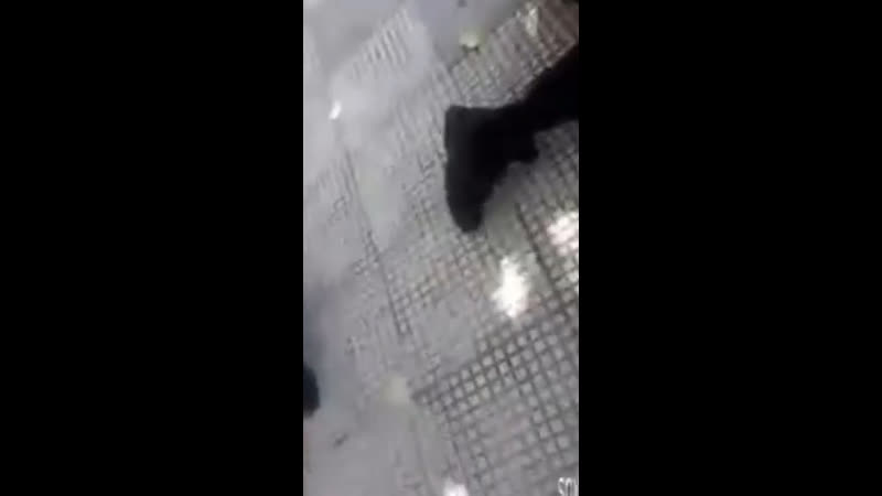 Полицейский встал коленом на шею 14 летнему подростку во время задержания