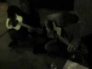 Homeless Mustard sings Creep - raw