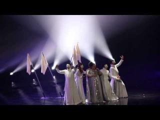 Bojana Stamenov rehearses 'Beauty Never Lies'