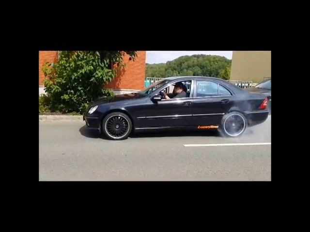 Mercedes C32 AMG with LoonyTuns Exhaust