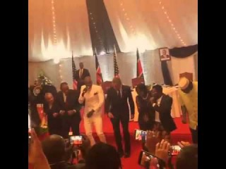 American President BARACK OBAMA Dancing The  Lipala Dance in KENYA -- ( VIDEO)