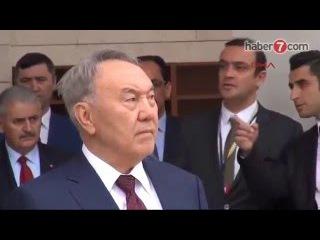 Нұрсұлтан Назарбаев пен Реджеп Тайып Ердоған жұма намазында.