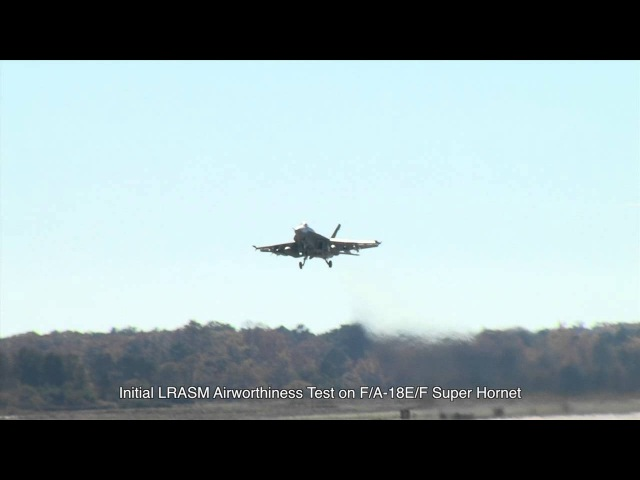 NAVAIR Clips Initial LRASM Airworthiness Test on FA-18EF Super Hornet