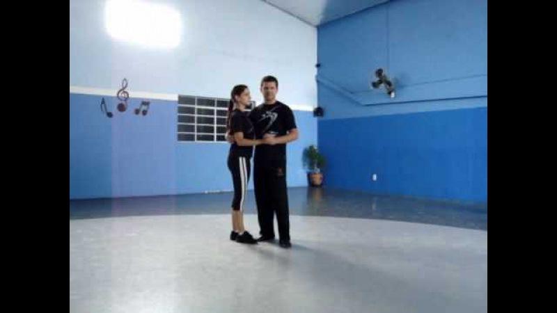Escola de Dança Rodrigo de Oliveira - Passos - Samba de Gafieira - Tirada de perna simples.wmv
