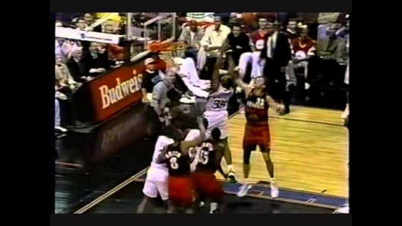 Dikembe Mutombo 4 Consecutive Blocks vs 76ers 1997