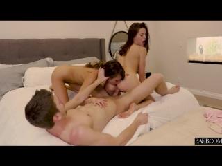 Сексуальная малышка Riley Reid и ежракая подружка Lana Rhoades делят член мужду дырочек - Step-Sisters Of Beverly Hills (