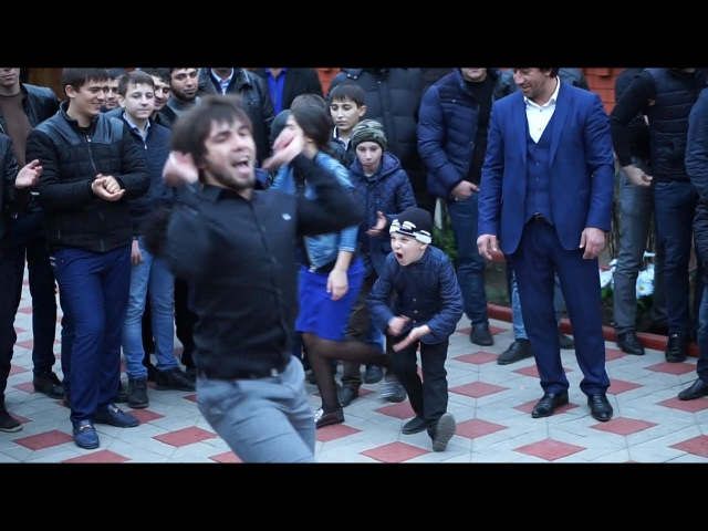 ИЛЕЗ ЧАХКИЕВ танцор с Ингушетии ловзар хит 2017