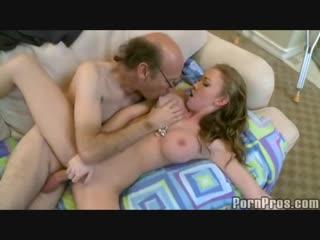 Ухаживает за больным папочкой своего парня  Madison Scott incest daddy stepdad littlegirl ddlg taboo инцест папа дочка табу