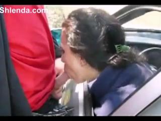 Дорожная проститутка сосет мужику в машине (порно,секс,частное,любительское ,онлайн,2016,минет,молоденькая,студентка,красивая,ан