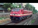 Extraordinary Parallel Running Race Between MEMU 5350Hp WAP 4 Locomotive from Andheri to Vileparle