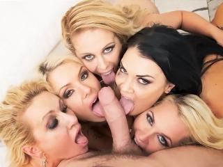Замужние сисястые домохозяйки хотят грубо ебаться в очко, групповой секс, порно, измена, анальная оргия Full HD 1080 Sex porno