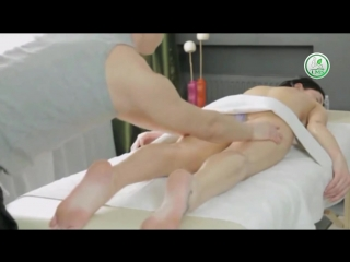 New hard hand back and hamstring oil massage