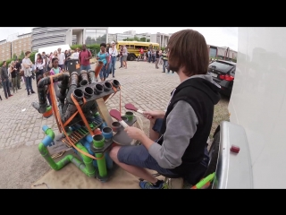 Awesome pipe-drummer ¦ pipedrumz ¦ neon pipe drummer