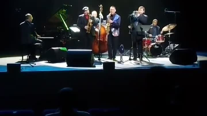 Роман Евсеев и международный джаз-квинтет