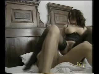erika bella - Le Perversioni Di Erica (1995) scene 1