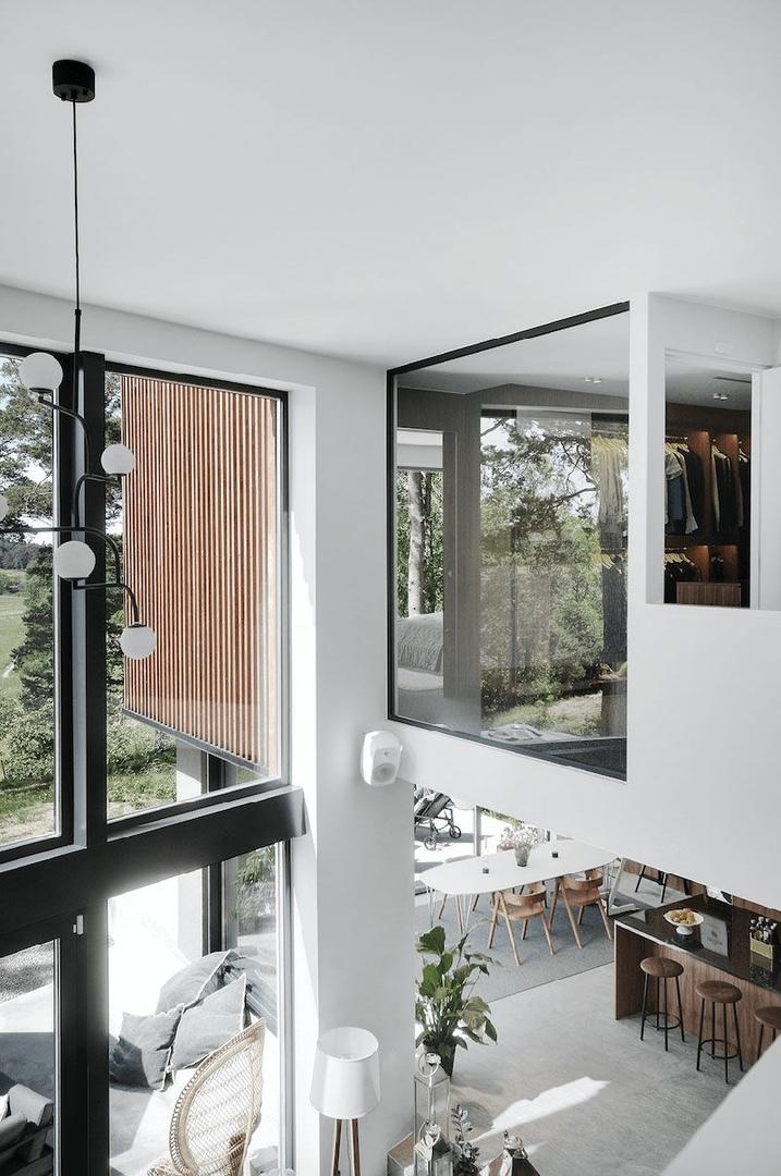 Современная вилла с высокими потолками в Швеции