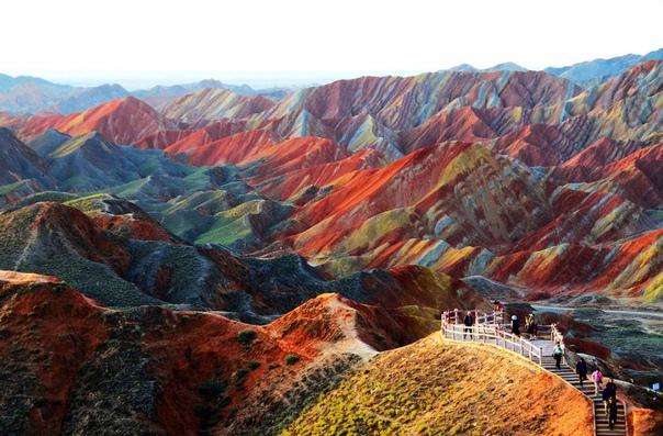 Китай: цветные горы Чжанъе-данься, изображение №2