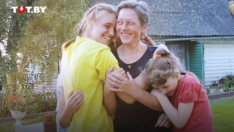 О ребенка тушили окурки. Монахиня воспитывает 12 приемных детей