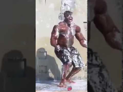 Pegadinha do Shampoo Infinito no Maromba