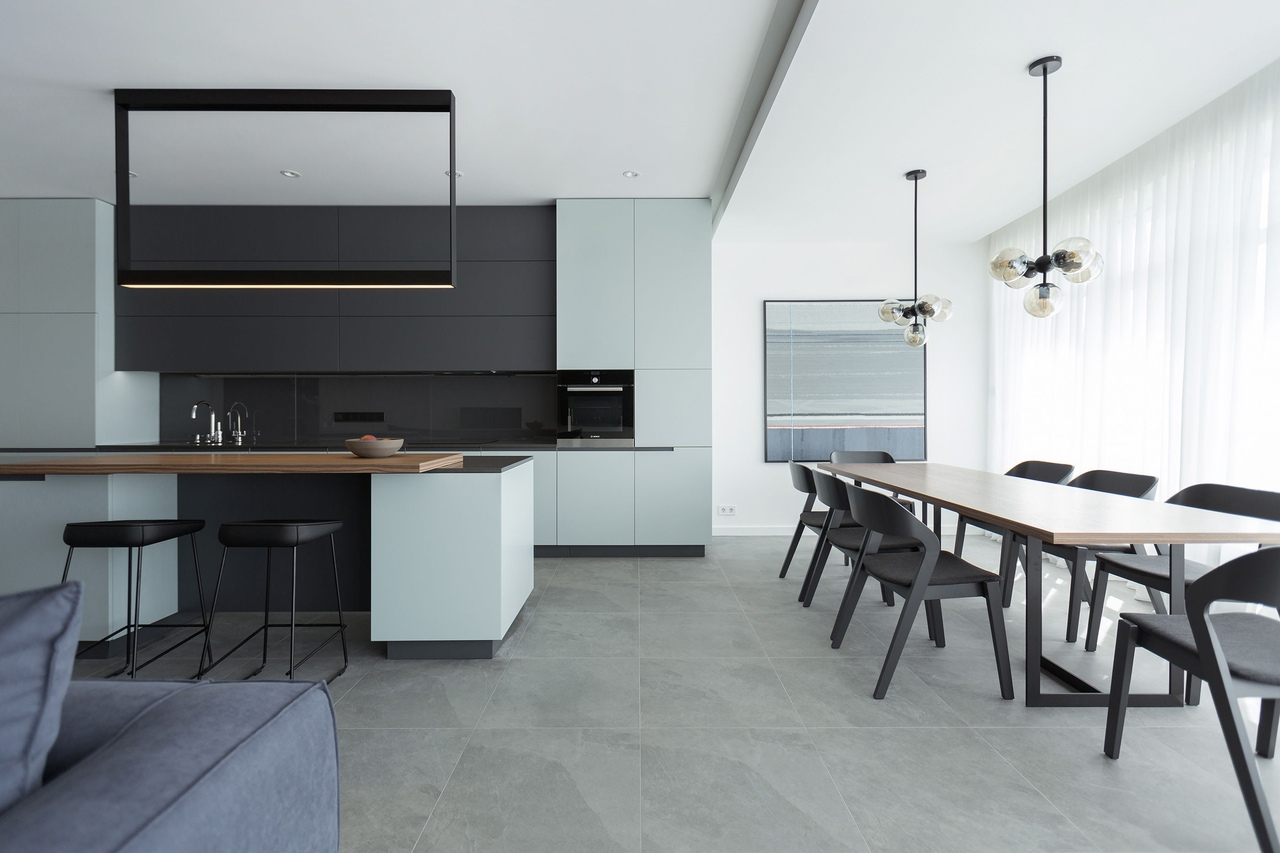 Klovsky Descent apartment by Lugerin Architects
