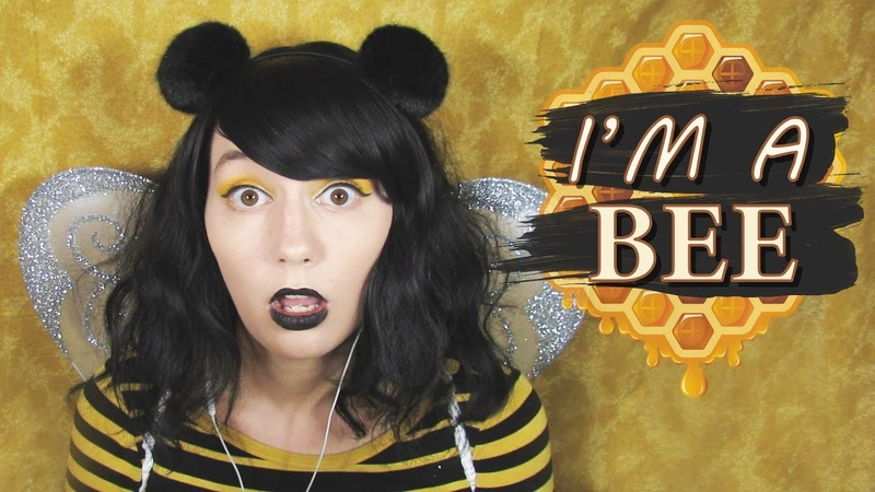 ASMR | I'm a Bee! 🐝 Layered Raw Honeycomb Eating Bzz Humming Finger Fluttering