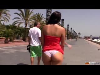 Valentina Nappi – Run Run, if not I'll fuck you [CumLouder] Blowjob, Natural Tits, Cumshot, Public