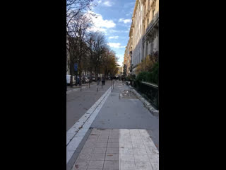 G on avenue montaigne ☂️