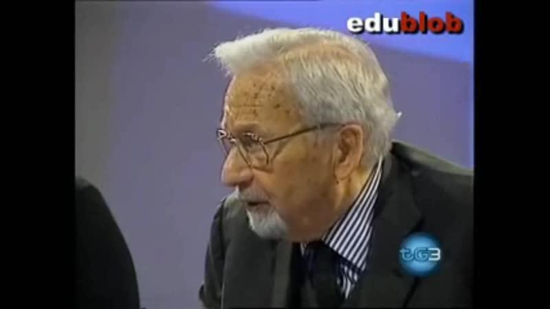 CAPO DELLA LOGGIA MASSONICA P2 LUNICO POLITICO CHE PUÒ ANDARE AVANTI E BERLUSCONI,