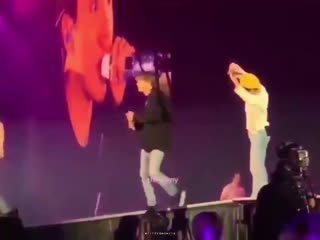 Seokjin really had to pat taehyungs butt
